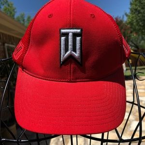 Tiger Woods Nike Vapor Men's Golf Hat Cap Flexfit